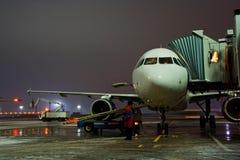 natt för 01 flygplats Royaltyfri Bild