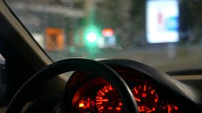 Natt för bil för handhjul arkivfilmer