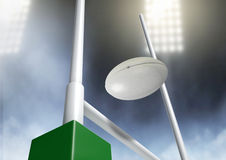 Natt för rugbystolpeomvandling Royaltyfri Fotografi