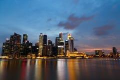 Natt för Singapore marinafjärd Arkivbilder