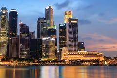 Natt för Singapore marinafjärd Royaltyfria Foton