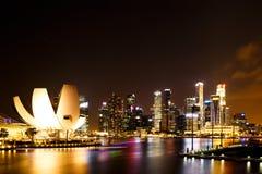 Natt för Singapore marinafjärd Royaltyfria Bilder