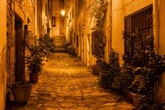Natt i gammal stad av Tossa de Mar Royaltyfria Foton