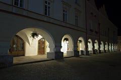 Natt i Nove Mesto nad Metuji Royaltyfri Foto