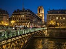 Natt i Paris Royaltyfri Fotografi