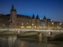 Natt i Paris Arkivfoton