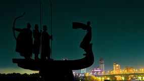 Natt Kiev på stranden royaltyfri foto