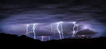 Natt med blixt Fotografering för Bildbyråer