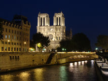 natt paris Royaltyfria Bilder