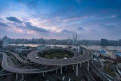 natt shanghai för broporslinnanpu Royaltyfria Bilder