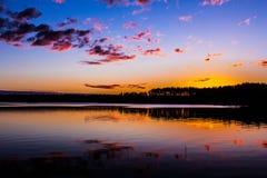 Natt sjö Royaltyfria Bilder