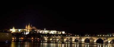 Natt som ses i Prague royaltyfri fotografi