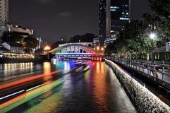 Natt som skjutas av Elgin Bridge Singapore arkivfoton