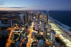 Natt som skjutas av surfareparadiset Gold Coast Australien Fotografering för Bildbyråer