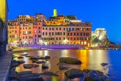 Natt Vernazza, Cinque Terre, Liguria, Italien Fotografering för Bildbyråer