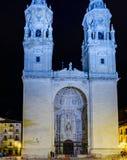 Nattbild av den huvudsakliga fasaden av det concatedral av Logroño, Spanien, ca royaltyfri fotografi