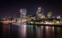 Nattbild av staden av London Royaltyfri Foto