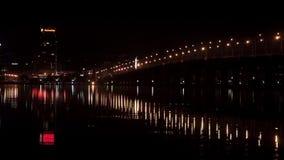 Nattbro över floden stock video