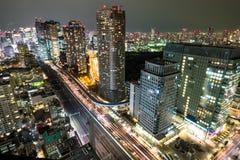 Nattcityscape av TOKYO Royaltyfria Foton