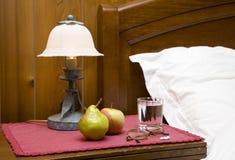 nattduksbord royaltyfria bilder