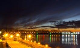 Natten överbryggar Fotografering för Bildbyråer