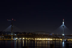 Natten av den portMann bron royaltyfri fotografi