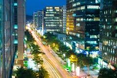 Natten beskådar av den taipei staden, Taiwan Royaltyfria Foton