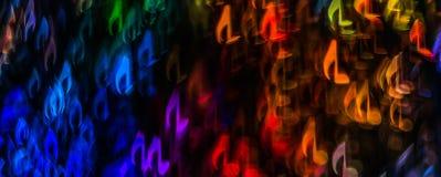 Natten tänder bokeh formad notblad, defocused bokehljus, bl Arkivbilder