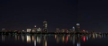 Nattetid för Boston horisontBoston MOR Royaltyfri Fotografi