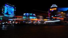 Nattetidschackningsperiod i Saigon, haotic trafik arkivfilmer