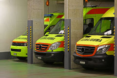 Nattförskjutningen: ambulansservice Fotografering för Bildbyråer