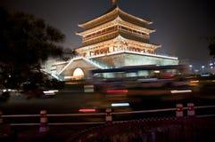 Xi'an sätta en klocka på står hög, Kina fotografering för bildbyråer