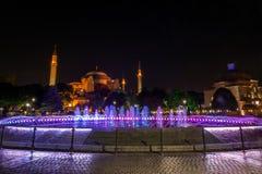 Nattfotografi av Hagiaen Sophia i Istanbul, Turkiet Royaltyfri Bild