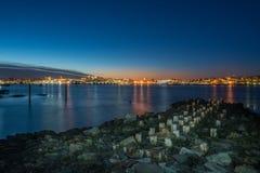 Nattfotosikt av Portland Maine, USA Royaltyfria Bilder