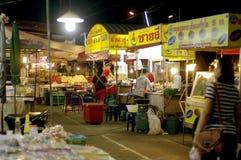nattgatamat i Thailand arkivbilder