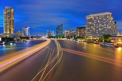 Natthorisont av Bangkok Royaltyfria Bilder