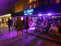 Nattklubb/restaurang i Saint Tropez, Frankrike Royaltyfri Bild