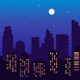Nattkontur av byggnader med färgrika fönster, fullmåne, s royaltyfri illustrationer