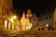 Nattljus av den gamla staden Fotografering för Bildbyråer