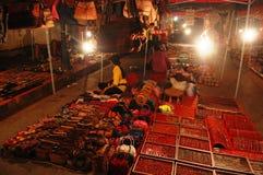 Nattmarknad i den Luang Prabang staden på Loas Royaltyfri Bild