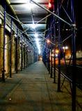 nattmaterial till byggnadsställning Arkivfoton
