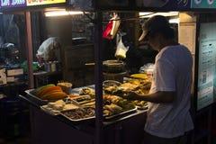 Nattmatmarknad i Penang, Malaysia Arkivbilder