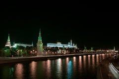 Nattmegalopolis Royaltyfri Bild