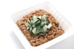 Natto, sojas fermentadas con la cebolla galesa Fotos de archivo libres de regalías