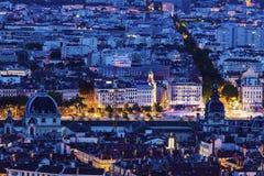 Nattpanorama av Lyon Arkivbilder