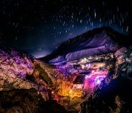 Nattparti i den Dahab öknen royaltyfria foton