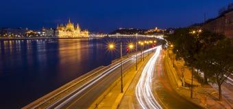 Nattplats av Budapest cityscape Arkivbild