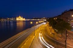 Nattplats av Budapest cityscape Långt exponeringsfoto Royaltyfri Fotografi