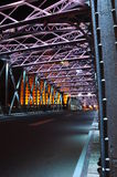 Nattplats av den färgglade Waibaidu bron Arkivfoton