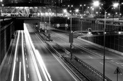Nattplats av den moderna staden Arkivfoton